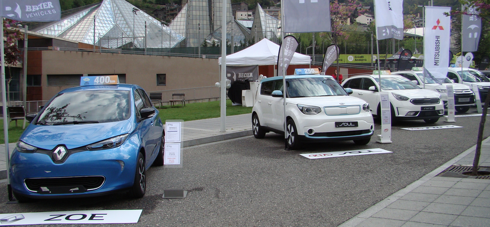 Els cotxes de Becier a La Jornada de Mobilitat Elèctrica