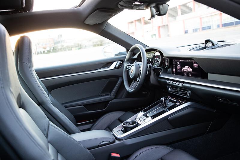 Porsche 911-992 inside