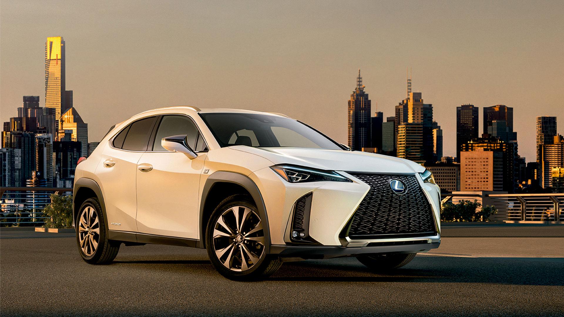 Frontal-lateral del nou UX de Lexus
